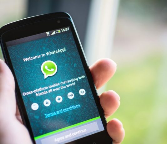"""WhatsApp now has a """"disappearing messages"""""""