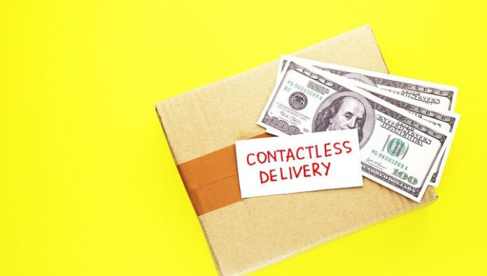 The cyber fraudsters steal money through fake courier services
