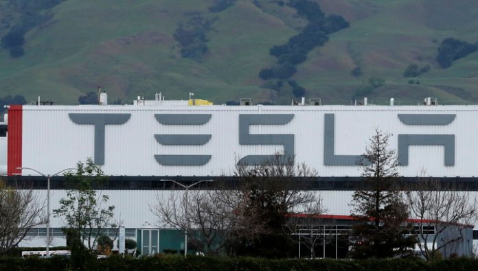 Tesla plans to produce batteries at its new plant